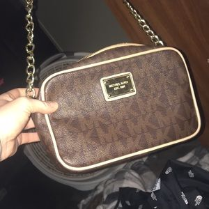 Michael Kors Criss body